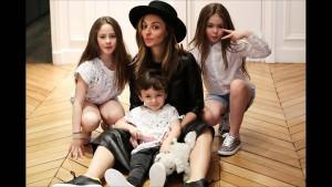La femme de Jonathan et leurs 3 enfants